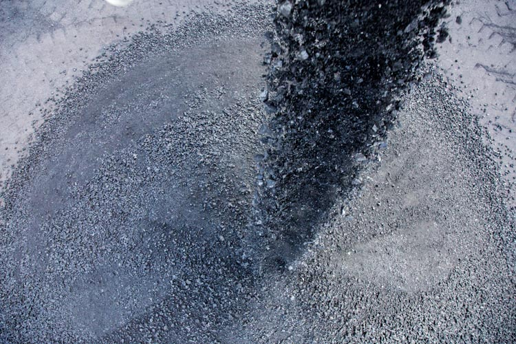 fine and coarse coal dust particles